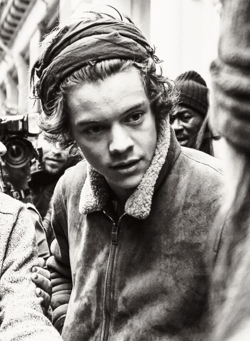 If Harry Styles looked at me like that I would melt like the effing wicked witch of the west