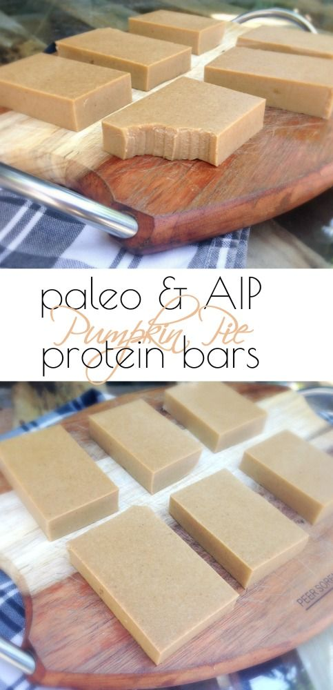Paleo Pumpkin Protein Bars | A healthy recipe for protein bars that are perfect for busy days and days on-the-go. All clean eating ingredients are used so pin now to make later!
