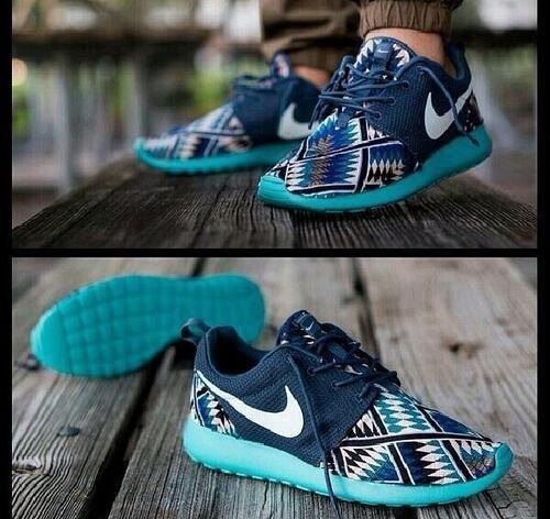 Aztec Print Nike Roshe Run store.nikeairmaxshoppingonline.com Website For Discount nike shoes. lowest price