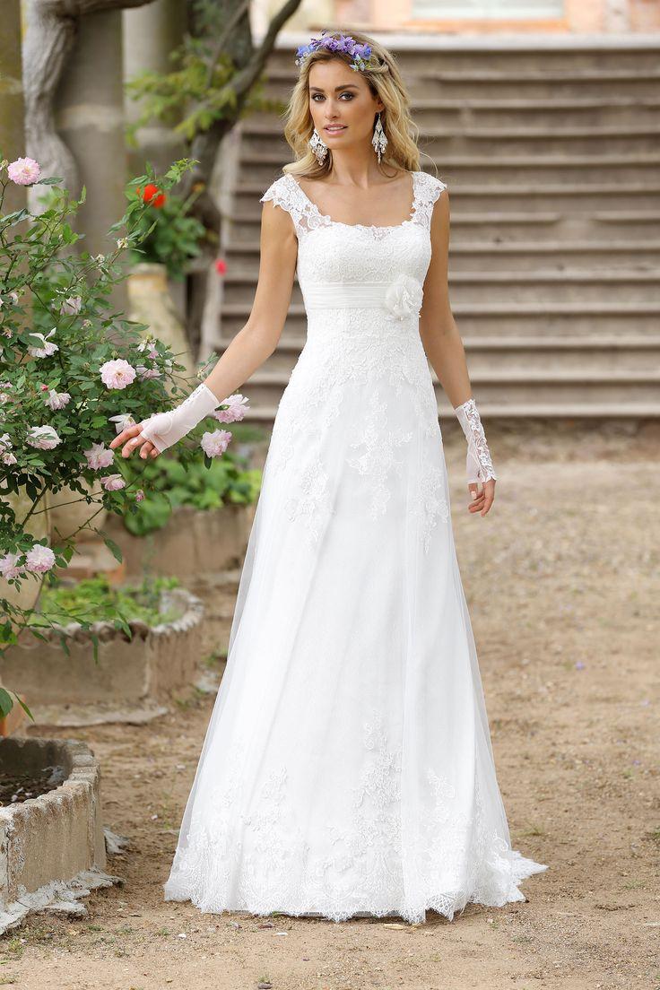 Ladybird Wedding Dress 416001  Valkengoed Bruid & Bruidegom