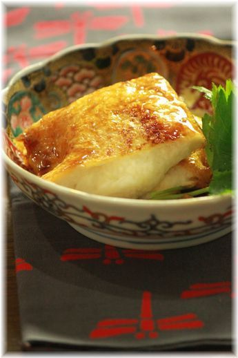 Teriyaki Aburaage (Tofu Porch) Stuffed with Grated Japanese Yamaimo Yam, as Vegan Meal|とろろ稲荷の照り焼き