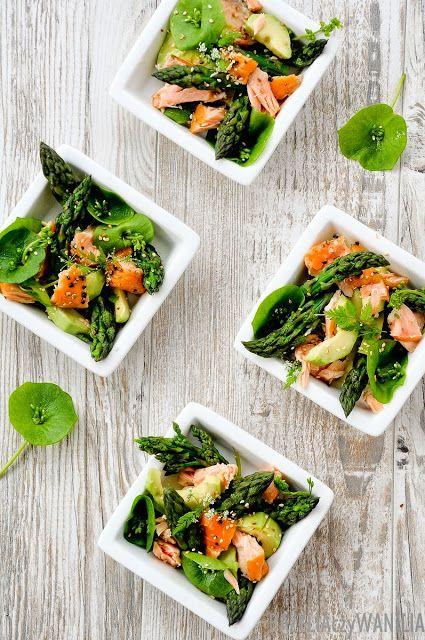 Miska pełna majowej zieleni, czyli sałatka ze szparagów, awokado i łososia