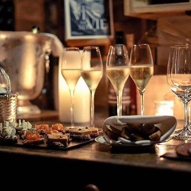"""Think champagne, drink champagne!"" Ellen Dean • ""Apéro"" in the @fsparis' wine cellar for my dinner at @restaurantlecinq!"