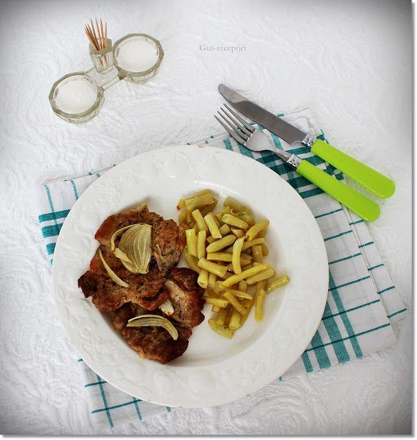Gizi-receptjei.  Várok mindenkit.: Sült hús fokhagymás zöldbabbal.
