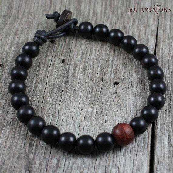 Mens Mala Bracelet cuir bois perlé noir par SolCreationsJewelry