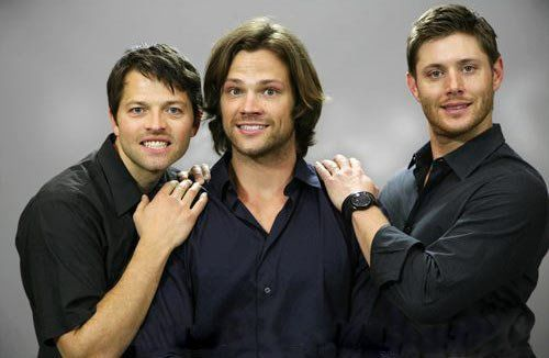 Awkward family picture- Supernatural. Haha! You gotta love it!