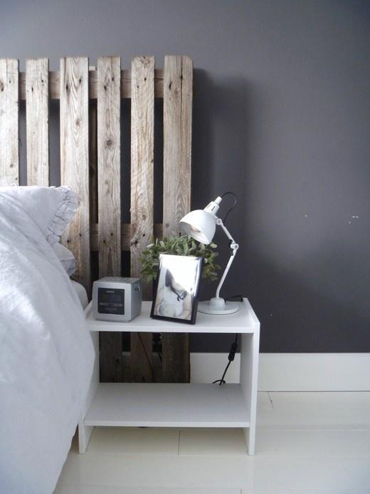Tête de lit en palette viellie