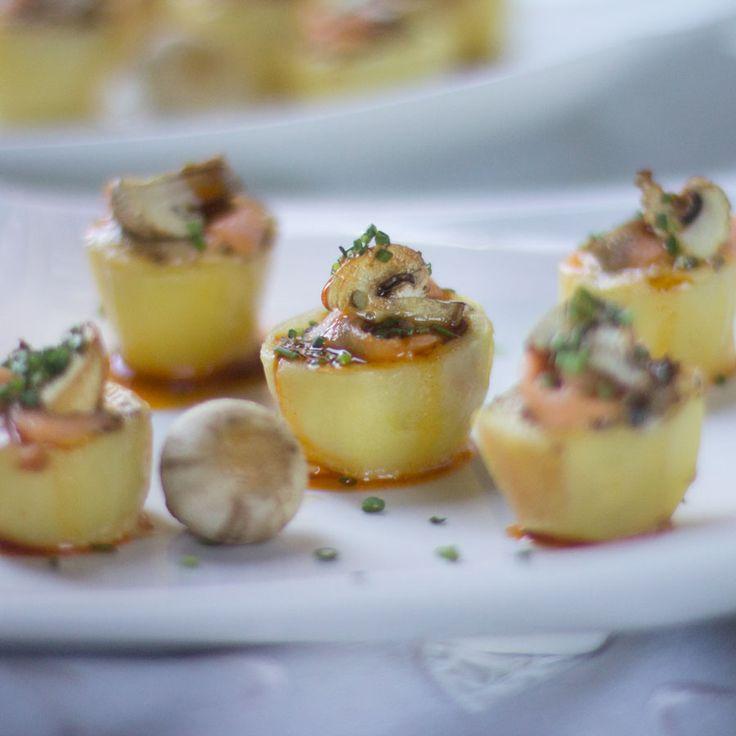 Cómo preparar patatitas rellenas de champiñones y salmón con muselina de estragón de Pedro Larumbe con Thermomix