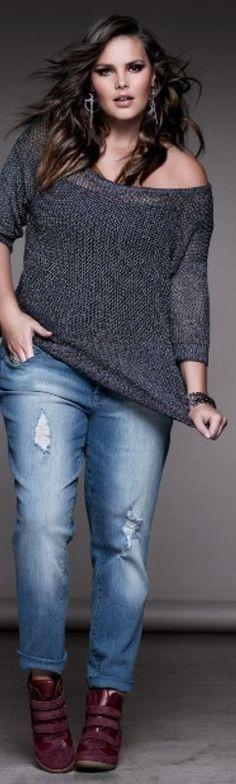 Malha com caimento soltinho e jeans com detalhes modelo slim.....perfeito!!