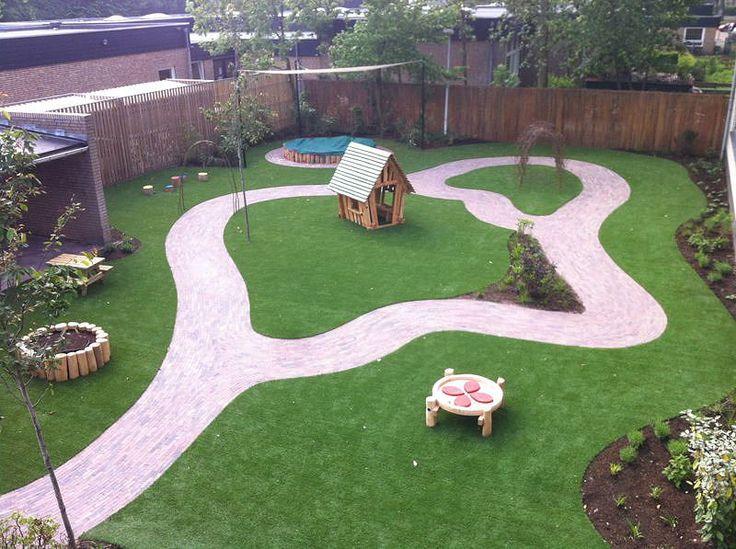 WiggersDesign    Ontwerp tuin KDV Oisterwijk met natuurlijke vormen en lijnenspel
