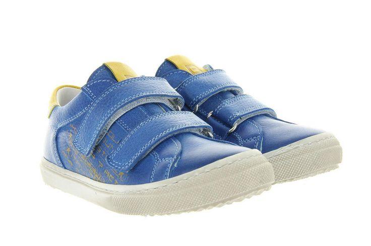 Kinderschoenen Cole bounce restore 1966A Blauw, is een leuke jongensschoen. Afgewerkt in blauw leer, met een gemakkelijke stootrand. Door de klittenband is de schoen gemakkelijk aan te trekken. De schoen is aan de binnenzijde volledig afgewerkt in leer, net zoals de buitenzijde.