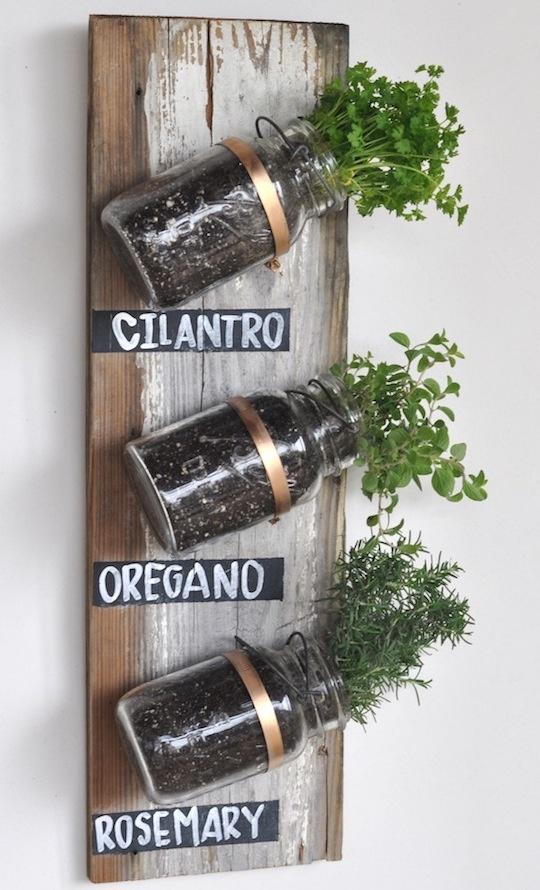 Vertical jar garden