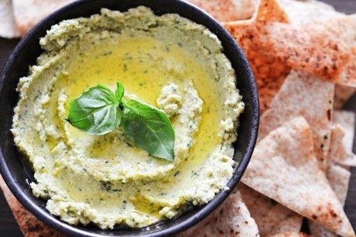 Humus (El Líbano) ............................ 4,50 € Garbanzo, ajo, comino, toque de limón y aceite de oliva virgen. Auténticos