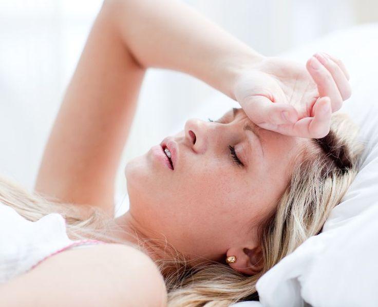 Sie fühlen sich ständig müde und ausgelaugt? Eine andauernde Müdigkeit kann viele Ursachen haben - lesen Sie mehr über die Ursachen ständiger Müdigkeit!