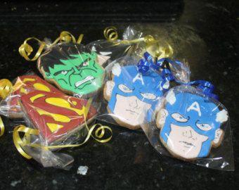 Galletas de superhéroe por Ollieleightx en Etsy