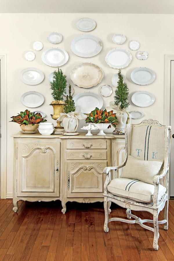 10 Ways to Decorate with Magnolia this Christmas: Bowl Them Over
