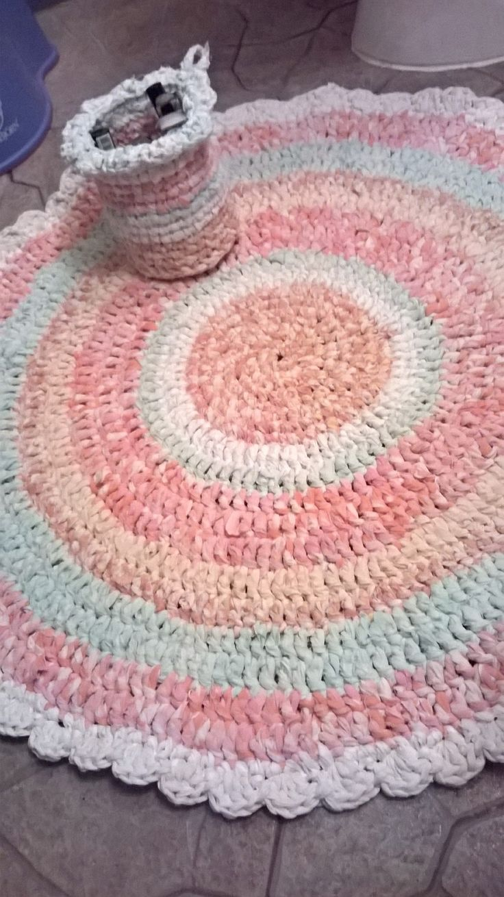 Rug&basket from old sheet's