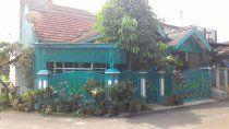Dijual rumah di Gading Serpong-Posisi Hoek, Luas tanah 104 m2, luas bangunan 72 m2, 2 kamar tidur + 1 kamar pembantu, 2 kamar mandi, garasi, SHM, hadap selatan, bangunan sudah di renovasi total harga 950 juta, nego.