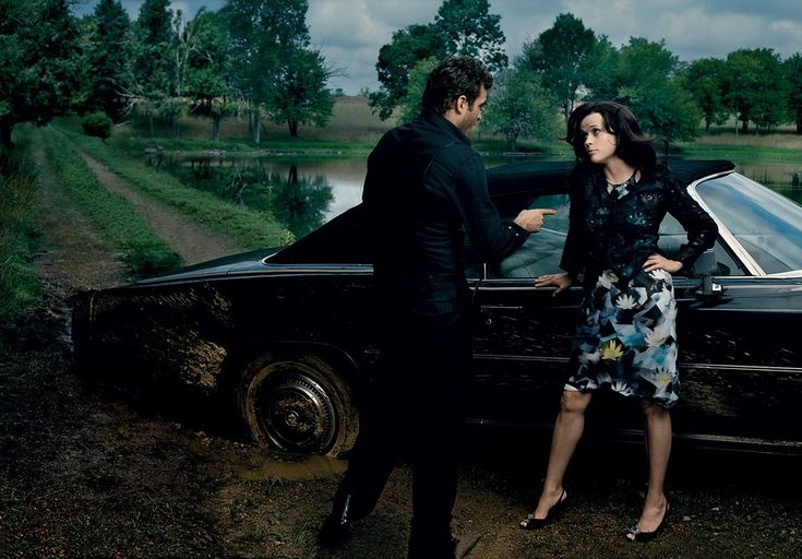 As the down-to-earth June Carter Cash, Reese Witherspoon had no problem letting it fly. Photographed by Annie Leibovitz for Vogue, November 2005.