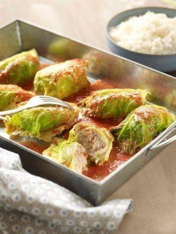 Gevulde savooikool met gehakt en tomatensaus - Het Nieuwsblad: http://www.nieuwsblad.be/cnt/d53krf2t