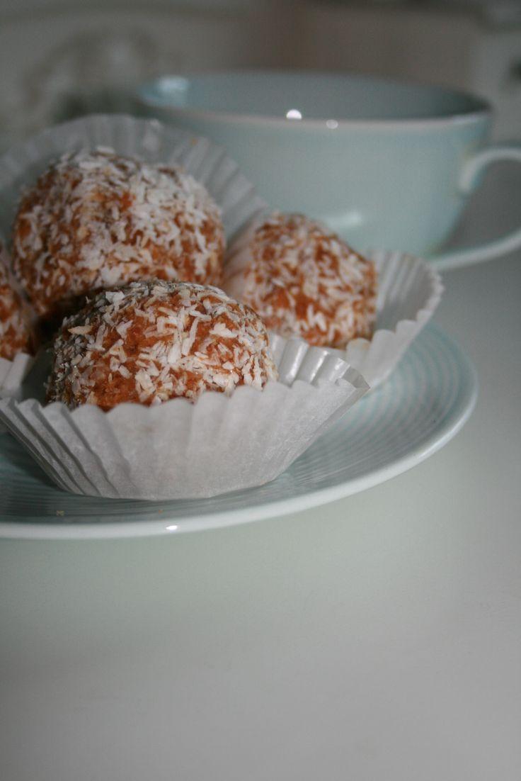 Raw carrot pulp biscuits, cookies http://madamebonnetrie.blogspot.ie/