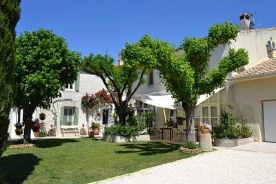 Propriété avec Chambres d'hôtes à vendre à Generac dans le Gard