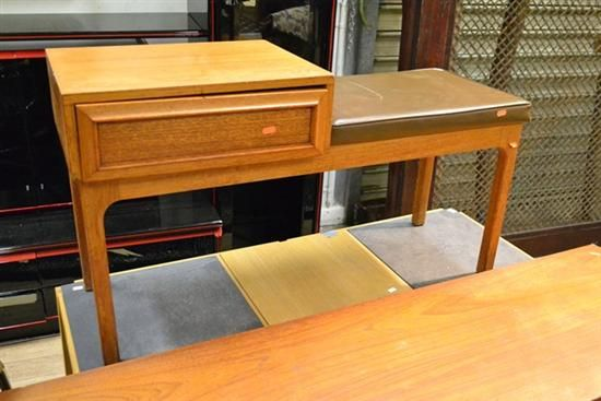 A PARLLER TELEPHONE AND MEADMORE STYLE HALLWAY TELEPHONE TABLE $40