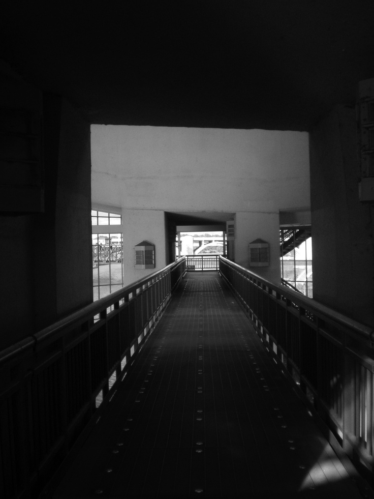 Lost by Dinnah Gustavo. Taken from, 'Read me: the Sydney University student anthology 2011'.