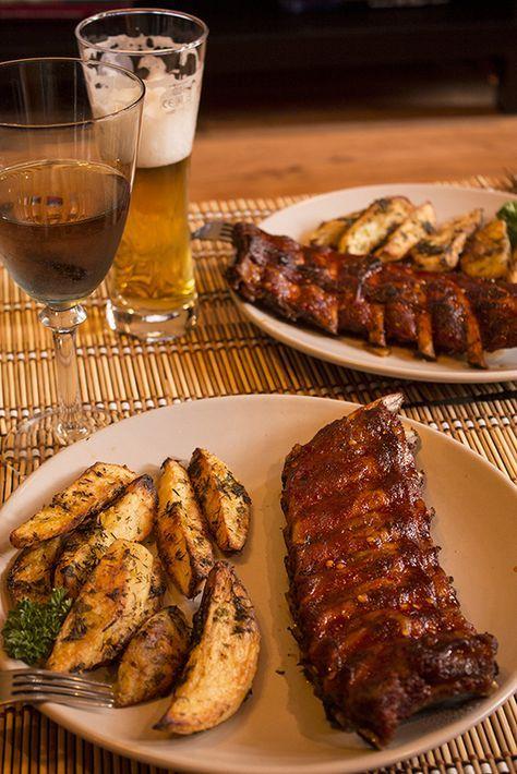 Coaste de porc glazurate, cu cartofi aurii – Mana Verde