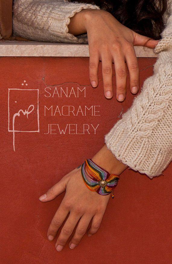 SANAM Bracciale macrame colorati di luce del sole di SanamHandmade, €45.00