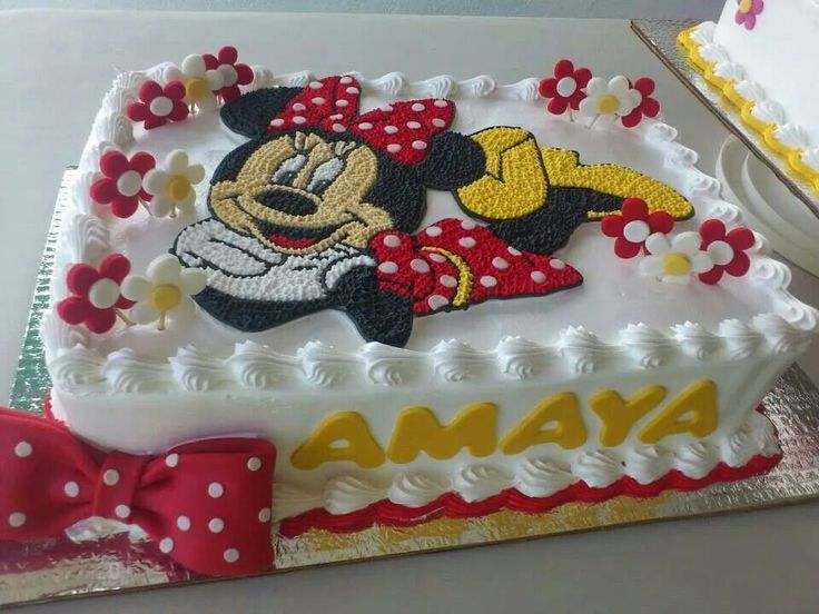 Minnie Mouse Decorated Cake