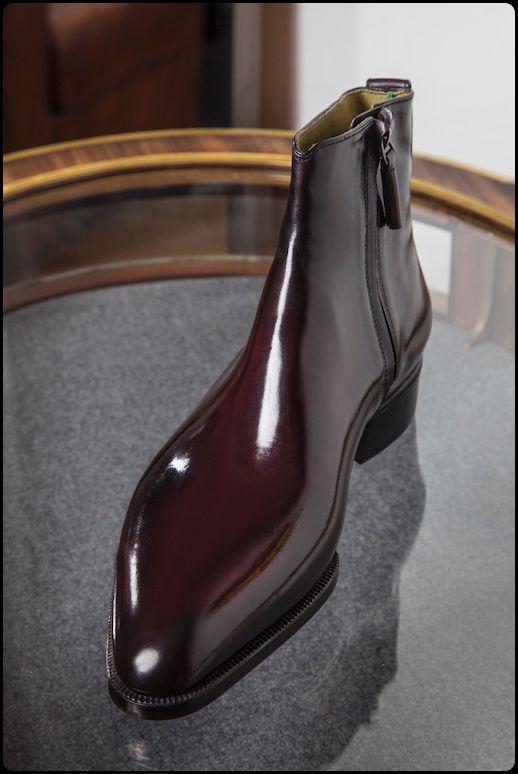 Livre 3, chap 32, p. 443 : chausseurs Berluti Bespoke ShoesPatrice Rock - Anthony Delos - Jean-Michel Casalongacrédit…