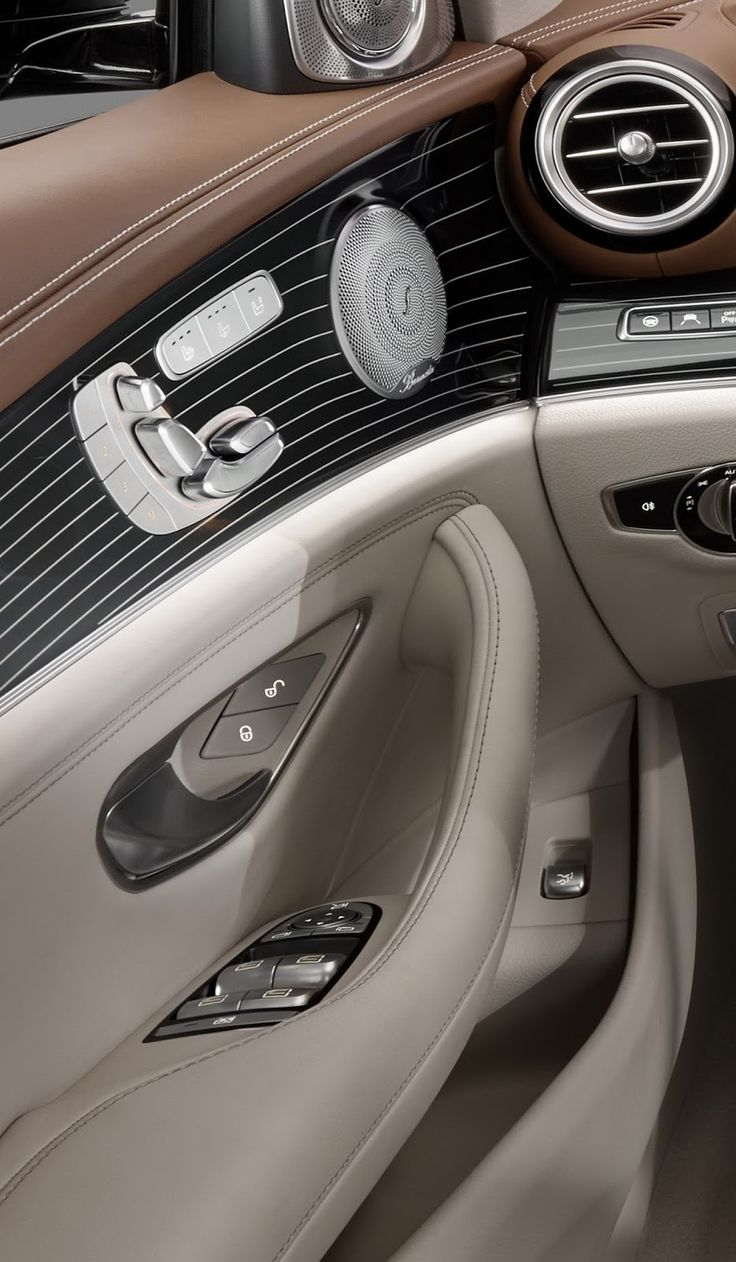 2017 Mercedes-Benz E-Class: First Official Look At Interior [23 Pics & Video]