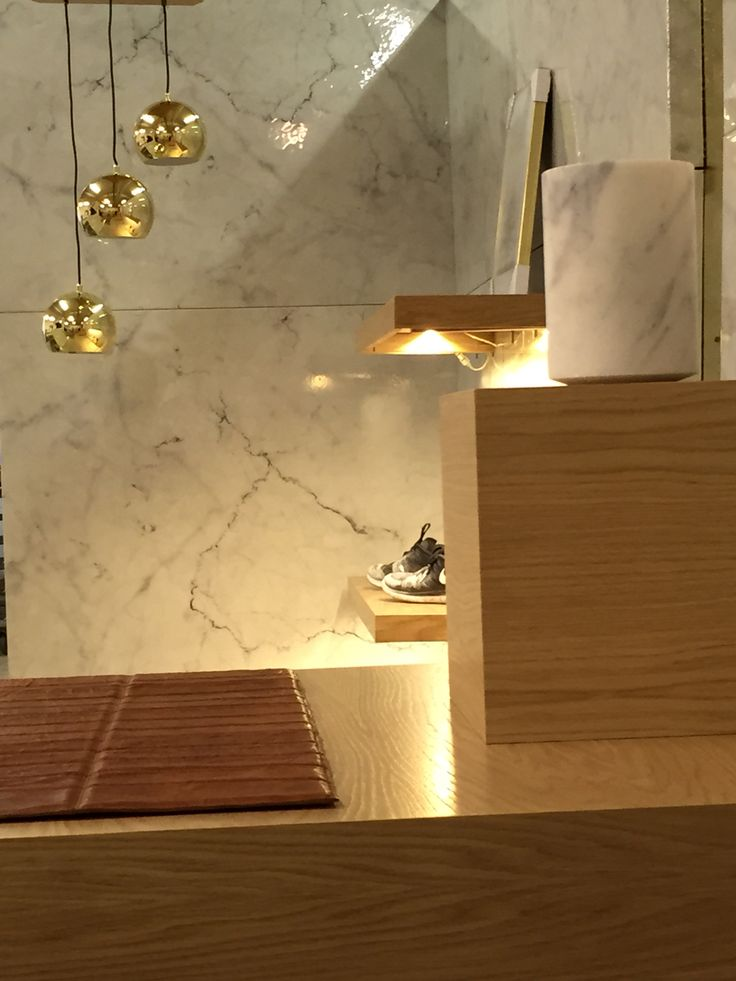 Pure marble and brass for Cuadra