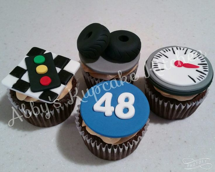 Nascar themed cupcakes abby 39 s kupcake kitchen for Cupcake themed kitchen ideas