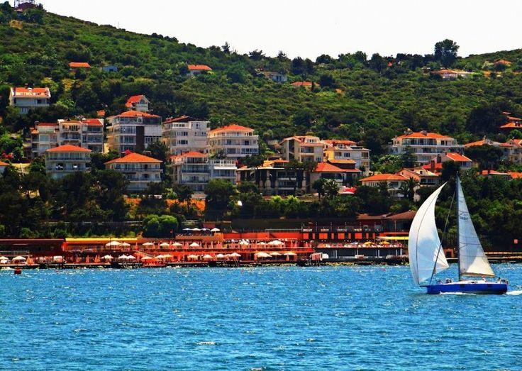 Heybeliada, İstanbul'daki ikinci büyük ve aynı zamanda temiz doğasıyla çok rağbet gören bir adadır.