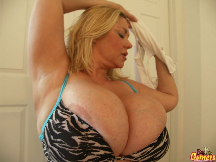 Huge Boobs Tight Bras  Big Tits  Xxx Videos-5200
