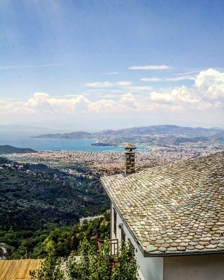 Makrinitsa earned the title 'balcony of Volos' ✌️