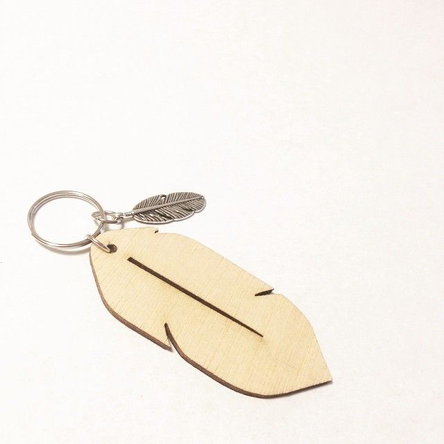 Last year I released my original wood feather key rings and all profits raised went to Brad, a man I'd never met, a young father of 3 suffering inoperable brain cancer. Together my insta followers and I raised almost $6k for Brad and his young family. This time, every cent will go to Brad. My followers have tripled since then and so I'm aiming BIG! Now keep an eye out for the release date. Together we are going to show Brad that we are all still here lifting him high.  #afeatherforbrad…