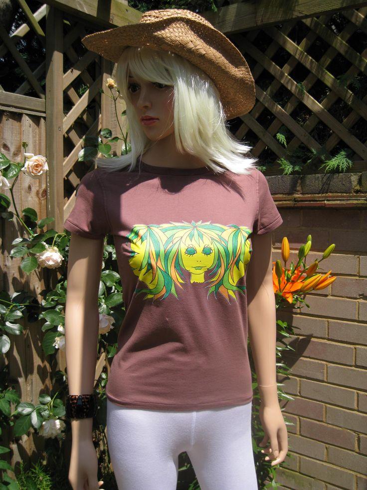 """Terrific """"Triplets"""" Top Brands da Alice in vivaci colori sassy .... Tutto sulla bella morbida per la pelle cime eleganti che offrono qualcosa di diverso da indossare ...... sia per gli allenamenti, in spiaggia o semplicemente agghiacciante. #Fitness #fitnessgirl # WomensHealthMa1 http://etsy.com/uk/shop/AliceBrands ... http://alicebrands.co.uk/Categories/34/Triplets+Alice"""