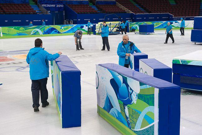 Vancouver 2010 Winter Olympics, graphic identity, environmental graphics, VANOC COVAN, Leo Obstbaum