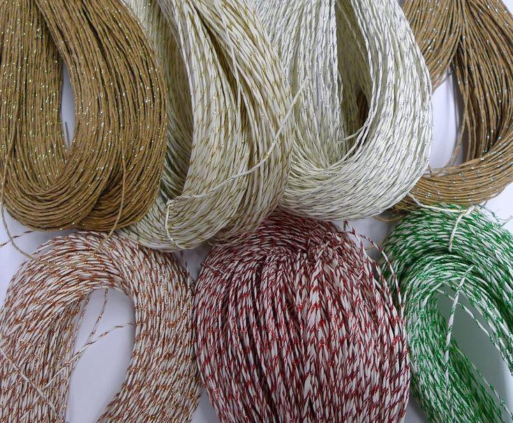 Paper yarn with glitter