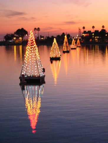 ~Long Beach has a unique tradition of floating lit-up Christmas trees on the bay after Thanksgiving is over~  #longbeachca  #christmastraditions