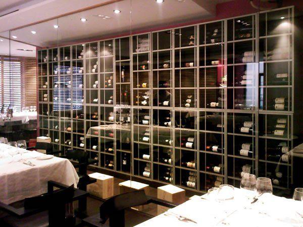 17 mejores ideas sobre armarios de bodega de vino en for Muebles para vinotecas