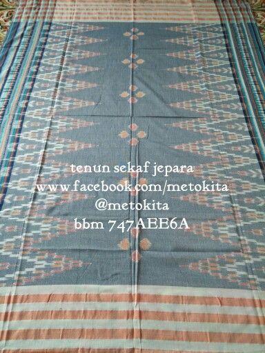 Tenun sekaf jepara Handwoven scarf from jepara, indonesia Visit and like us on www.facebook.com/metokita Ig/tw @metokita