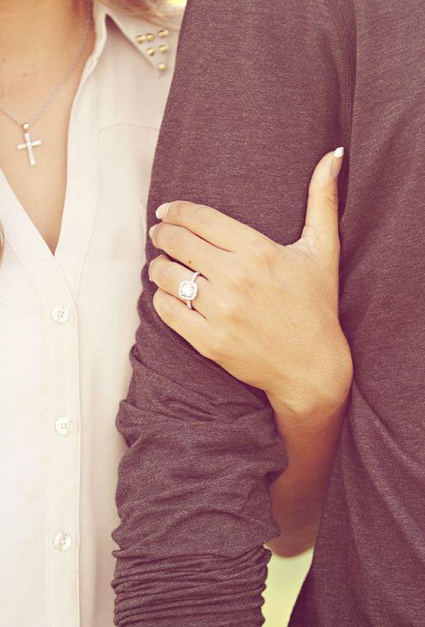 ring showcase unique wedding engagement photo ideas