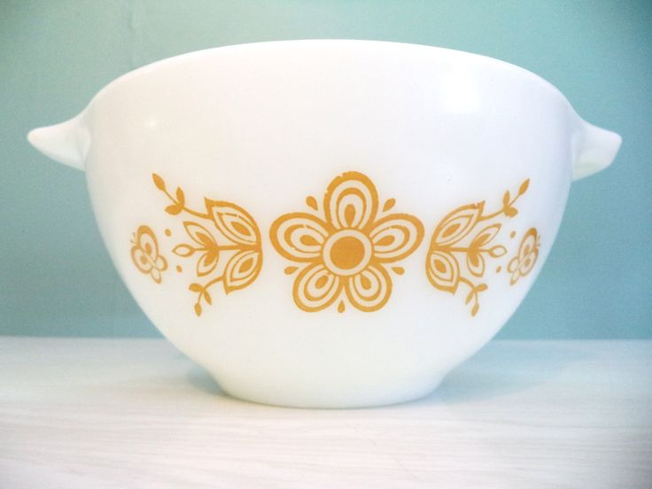 Vintage Pyrex Butterfly Gold Cinderella Mixing Bowl #442 1 1/2 Pint USA Kitchen Bakeware by ByElleBee on Etsy