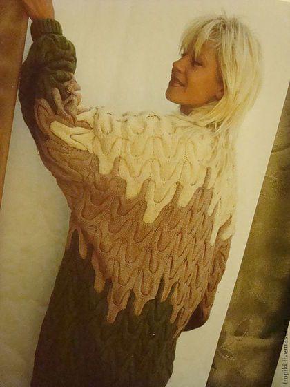 Купить или заказать пальто- кардиган вязаное в интернет-магазине на Ярмарке Мастеров. объемное пальто-кардиган связано спицами,интересен переход из одного цвета в другой. вязка- крупные жгуты работа стоит 7000 руб.без учета стоимости ниток.
