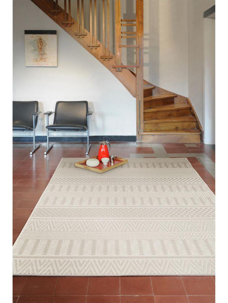 http://www.benuta.de/in-outdoor-teppich-naoto-beige.html Flure rustikal einrichten mit dem benuta Teppich Naoto im Landhausstil