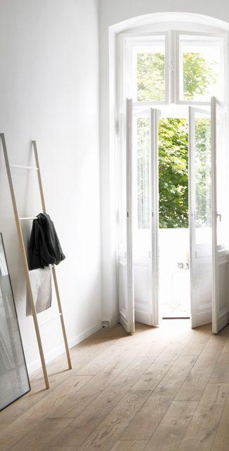 Via NordicDays.nl | Coco Lapine Design | White